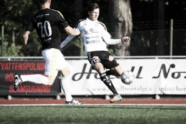 Ivan Rako con la pelota en el Metala   Foto: Heerenveen