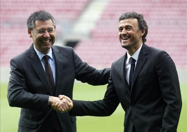 Luis Enrique e Bartomeu nel giorno della presentazione del tecnico al Camp Nou (Fonte foto: Squawka)