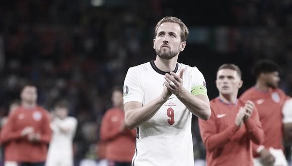 Hary Kane agradeciendo a los aficionados su entrega. / Foto: Reuters England