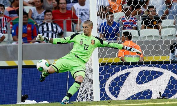 Victor Valdés jugando con la selección española / Foto: RFEF