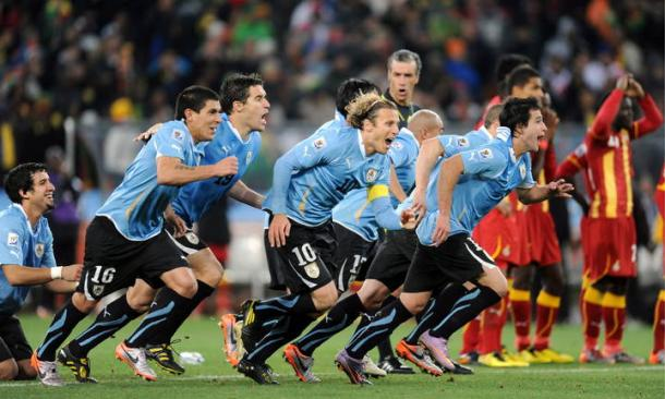 Jogadores uruguaios foram ao êxtase | Foto: EFE