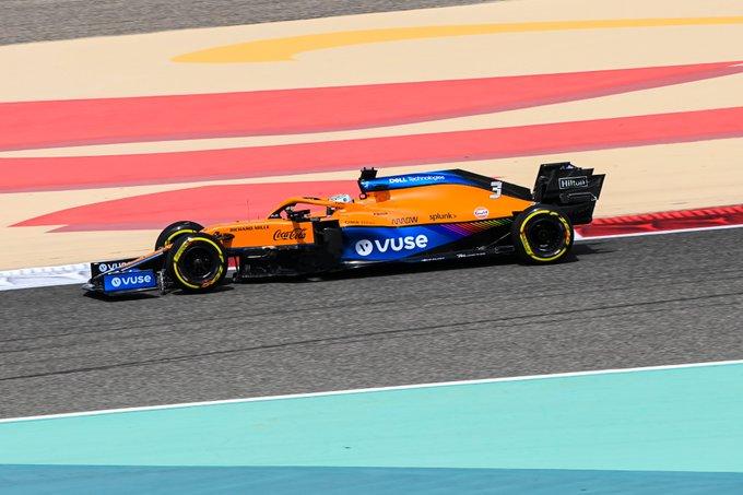 Daniel Ricciardo en los test de Bahréin. (Fuente: Twitter @McLarenF1)
