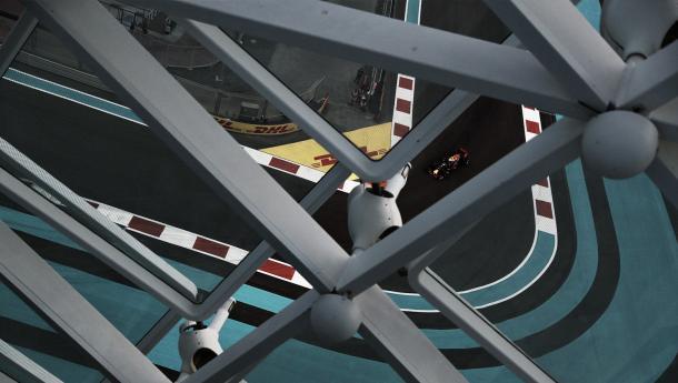 Vista del trazado desde el hotel de Yas Marina | Foto: Red Bull Racing