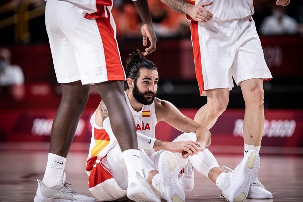 Ricky desolado tras la derrota / Foto : FIBA