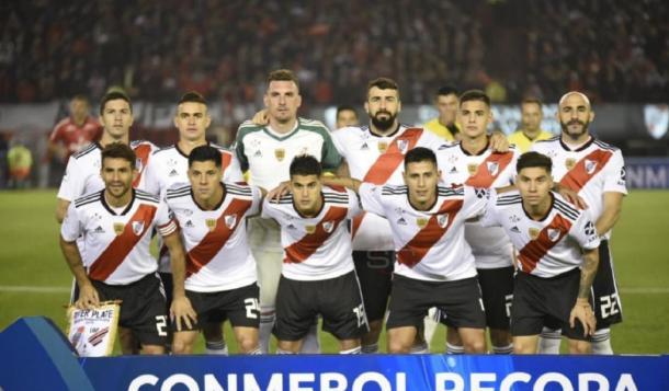 EL ONCE: Armani; Montiel, Martínez Quarta, Pinola, Angileri; Ponzio, Pérez; Palacios, Fernández; Pratto, Borré.