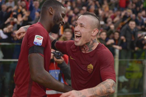 La gioia di Nainggolan dopo il raddoppio - Foto As Roma Twitter