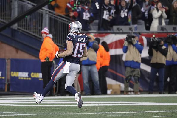 TD de Hogan garantiu vitória dos Patriots diante dos Ravens   Foto: Rob Carr/Getty