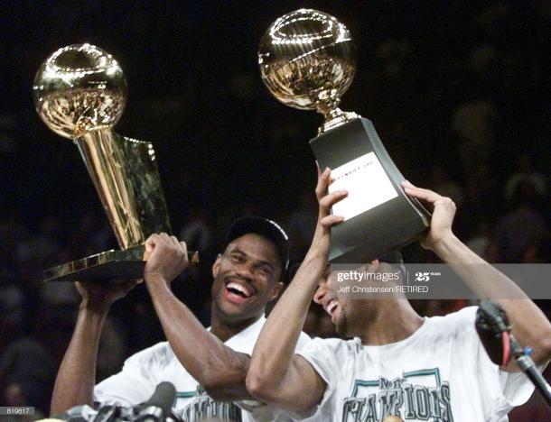 Duncan y Robinson en la celebración del anillo de la NBA / Getty Images