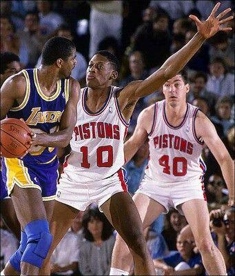 Dennis Rodman defendiendo a Magic durante las finales de 1988   Fuente: NBA.com