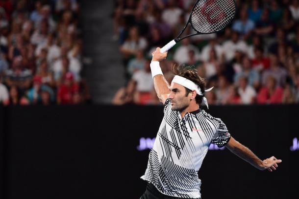 Il rovescio, rigorosamente a una mano, di Federer - Foto Twitter Aus Open