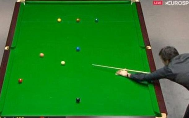 Ronnie O'Sullivan opts for the pink ball | Photo: Eurosport