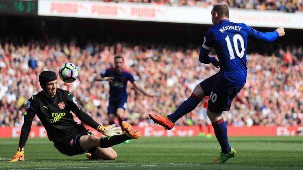 Cech provvidenziale su Rooney, www.premierleague.com