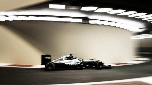 Rosberg en el pit-lane de Yas Marina | Foto: Getty Images