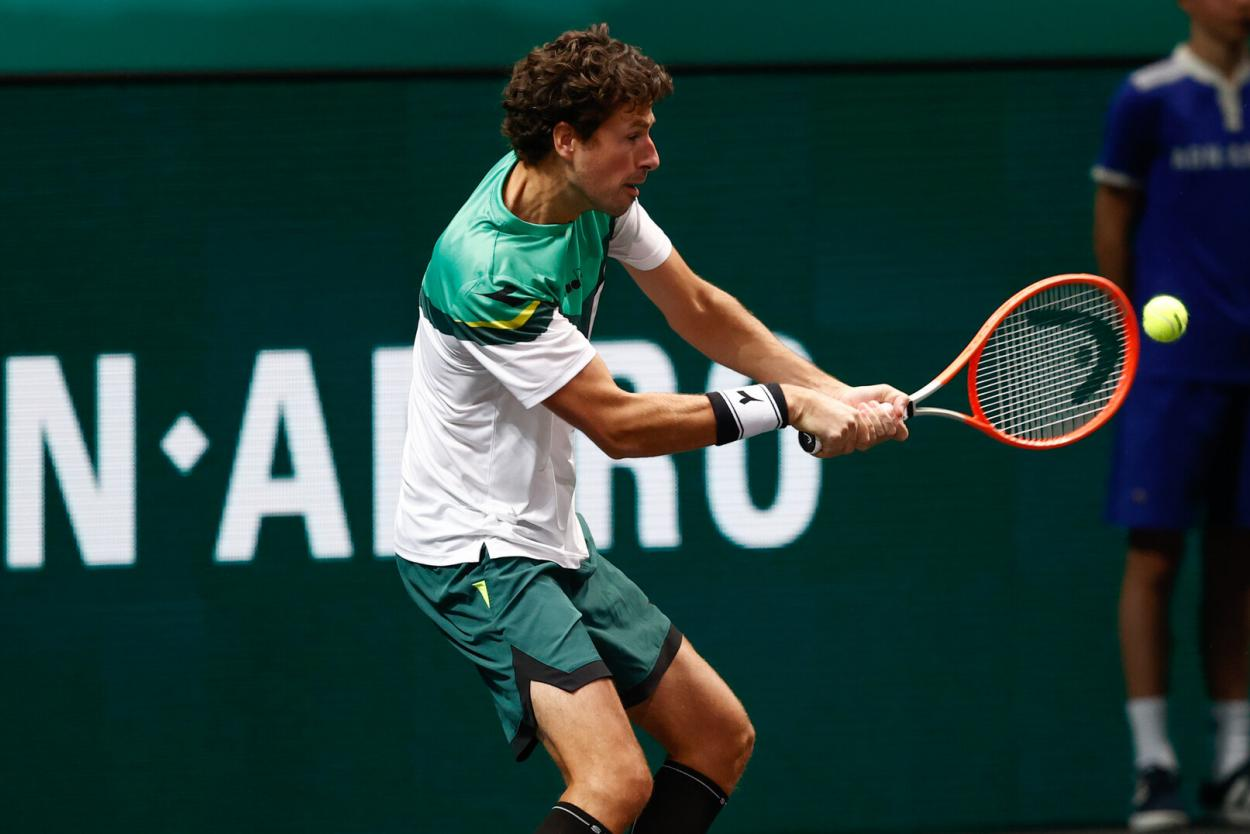 Haase plays a backhand during his first-round match against Murray/Photo: Pim Waslander/ABN AMRO World Tennis Tournament
