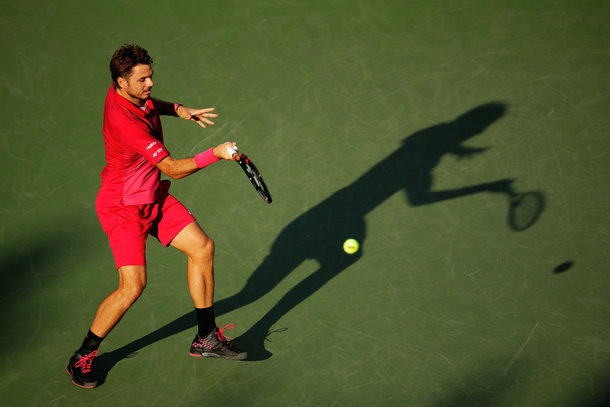 Wawrinka hits a forehand (Photo by Andy Lyons/Getty Images)