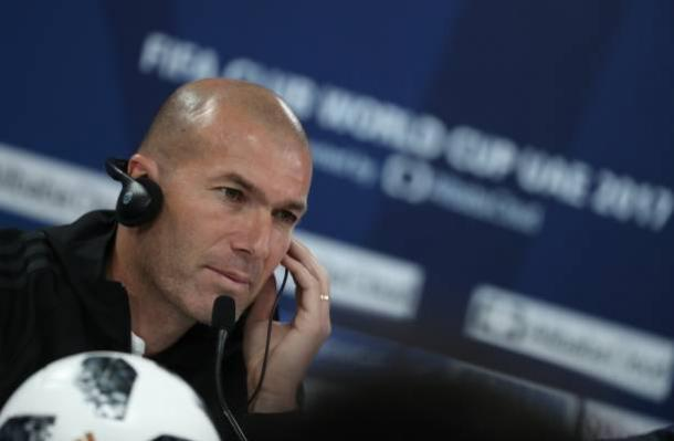 Zidane em coletiva | Foto: Karim Sahib/AFP/Getty Images