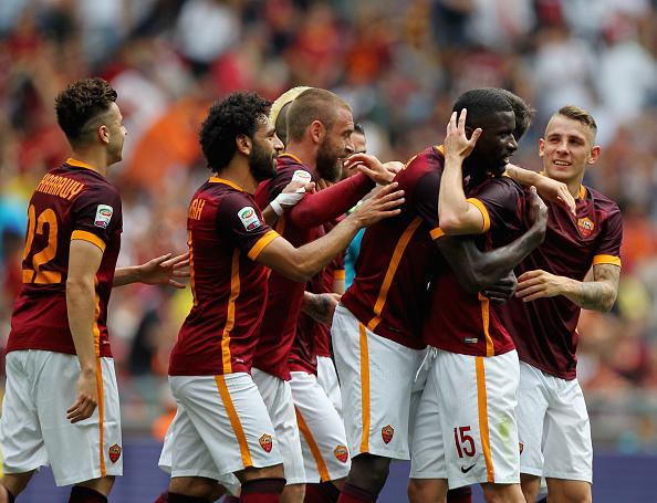 Jogadores da Roma comemoram gol de Rüdiger contra o Chievo (Foto: Paolo Bruno/Getty Images)