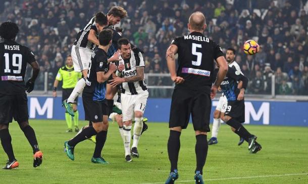 Uno scatto della sfida allo Juventus Stadium. Fonte: http://cdn.calciomercato.com