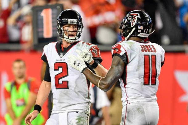 Matt Ryan e Julio Jones formam dupla letal pelo ar (Foto: Icon Sportswire via Getty Images)