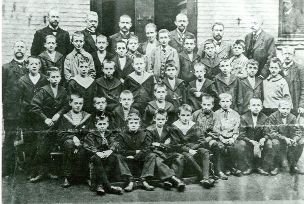 SCHOOL-FRIENDS: Niels Bohr (1), Harald Bohr (2), Aage Berlème (3) at Gammelholm Latin School.