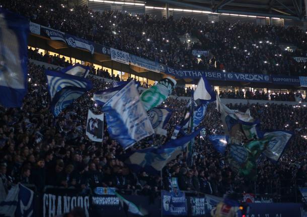Torcida do Schalke 04 (Foto:Divulgação/S04)