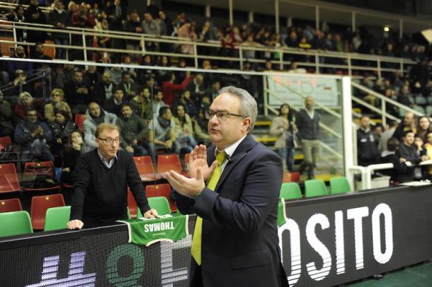 Pino Sacripanti applaude il Pala DelMauro - Foto SportAvellino