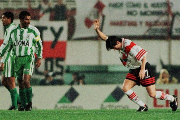 River es el equipo argentino que más veces Nacional enfrentó en torneos CONMEBOL, cinco veces se han visto. | Foto: Olé