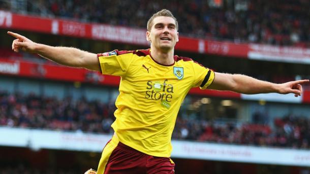 Sam Vokes el más peligroso del Burnley. Foto:Burnley.