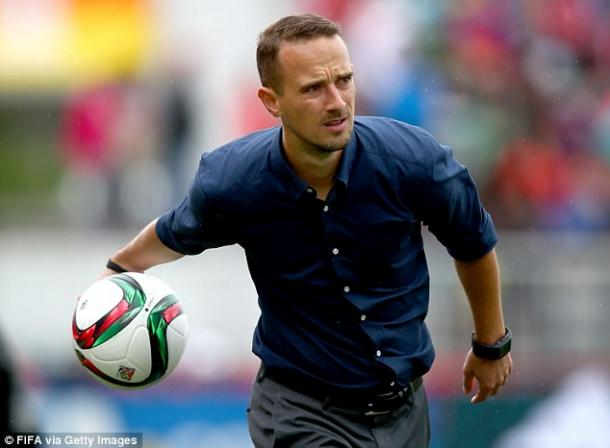 England coach Mark Sampson gained recognition after England's fine performance in the World Cup (Source: Daily Mail)