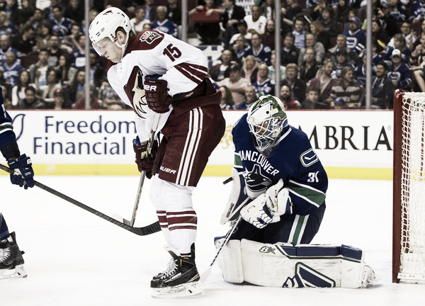 Henrik Samuelsson missed most of last season with an injury, he will be in camp trying to make the team. Source: Rich Lam/Getty Images North America)