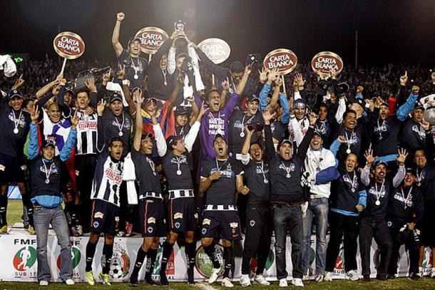 Rayados festejando su tercer cuarto título. Foto: Mediotiempo