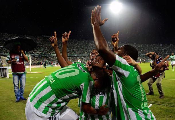 La última semifinal que disputó Nacional fue en la Copa Sudamericana 2014, el 'verde' se impuso por penales al Sao Paulo.   Foto: El País