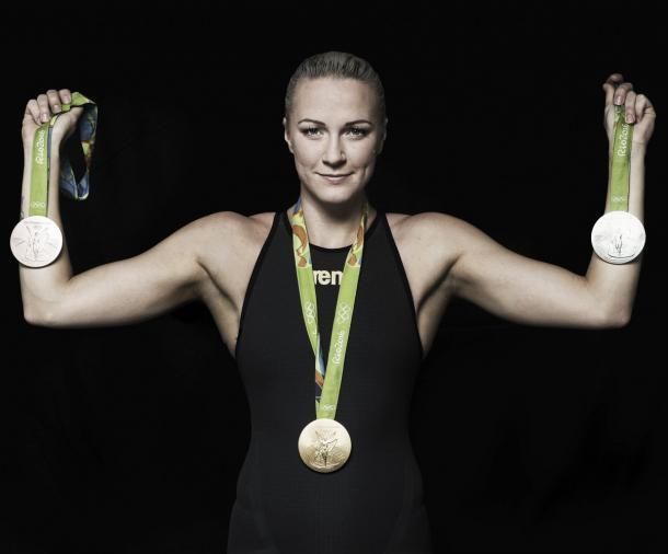 Sjöstrom con las medallas conseguidas en Río 2016 / Foto: FINA