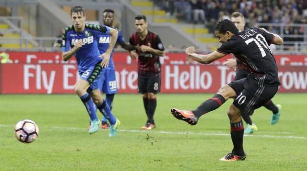 Il rigore di Bacca in Milan-Sassuolo 4-3