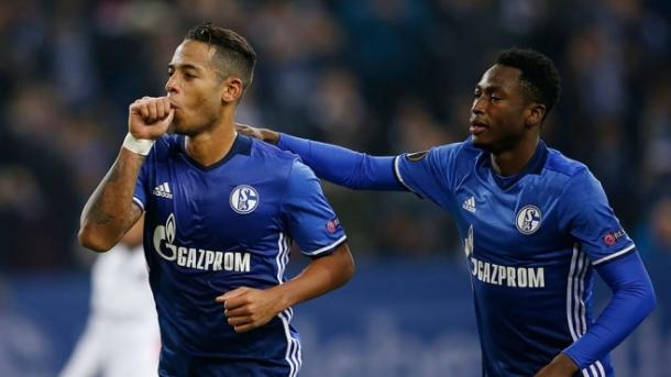 Aogo celebra su gol de penalti. Foto: schalke.de