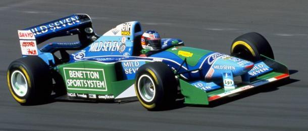 Michael Schumacher conduciendo el Benetton que le dio su primer mundial en 1994 | Fuente: WTF1