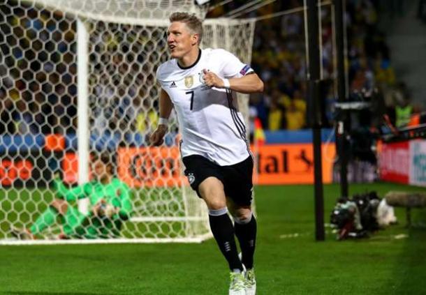 Schweinsteiger celebrating his goal against Ukraine | Photo: Getty