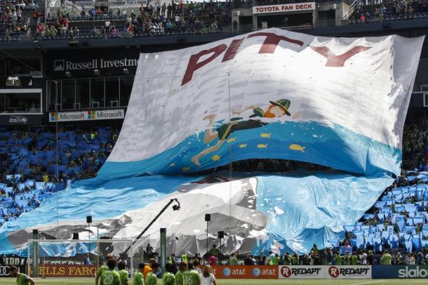 Tifo de los Esmerald City Supporters burlándose de Timber Joey // Imagen: saundersnation.com