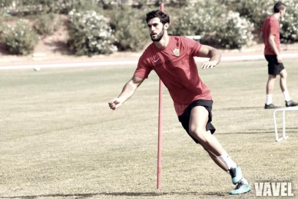 Carlos Selfa, nuevo refuerzo del Villanovense, entrenando con el Almería. | Foto: David García (VAVEL)