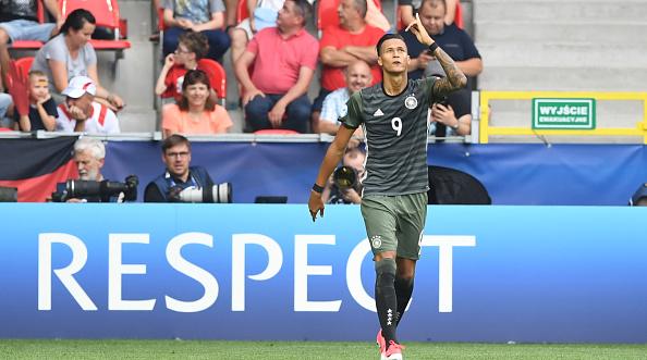 Selke abriu o placar ainda no primeiro tempo com gol de cabeça (Foto: Piotr Nowak / Getty Images