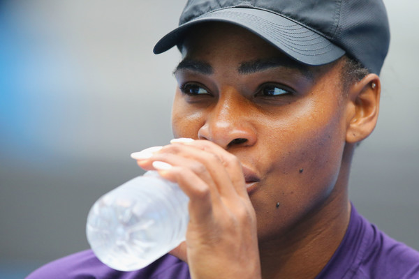 Williams has some water during her practice session (Photo by Michael Dodge / Getty Images)