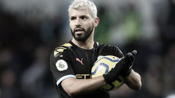 Sergio Agüero rompió dos récords con sus tres goles | Foto: Premier League