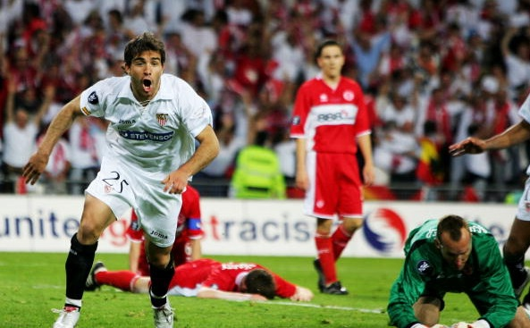 Sevilla beat Middlesbrough in the 2006 final, with former Liverpool man Stewart Downing in the background | Photo: Jamie McDonald/Getty Images