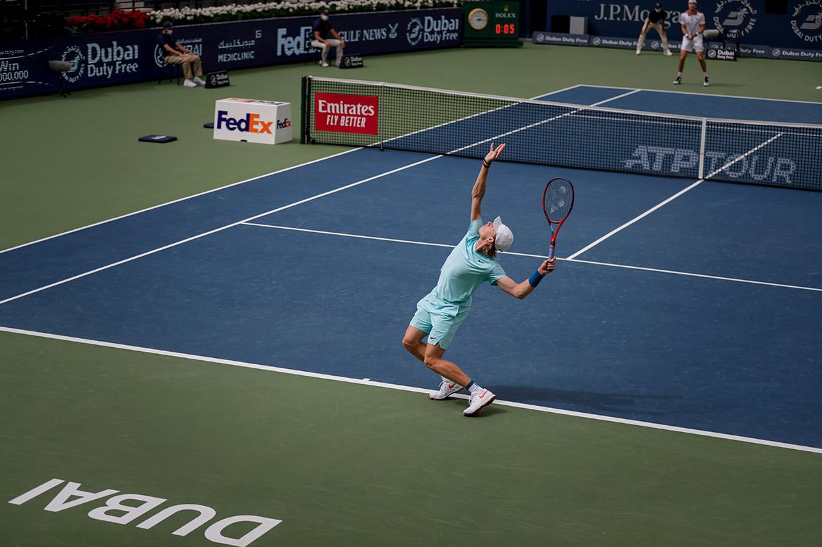 Shapovalov quebrou sequência de derrotas para Struff (Foto: Divulgação/Dubai Tennis Championships)