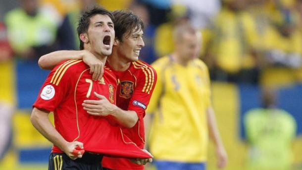 Villa y Silva celebran el gol del 7 frente a Suecia en la Euro 2008   Foto: Manchester City