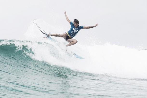 Silvana nas ondas de Snapper em 2015/Reprodução: WSL