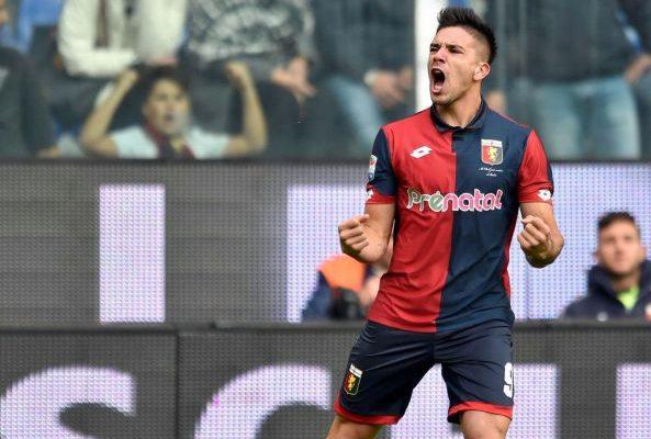 El 'Cholito' durante su temporada en el Genoa. / Foto: genoafc.it