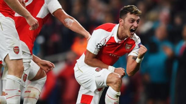 Mesut Ozil celebrates against Bayern Munich. | Source: sky sports