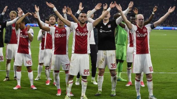 Foto: @AFCAjax / El Ajax celebrando el pase a la final
