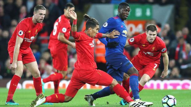 Pogba prova a destreggiarsi. | Fonte immagine: Sky Sports